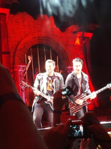 Syn's face and Zacky's smile